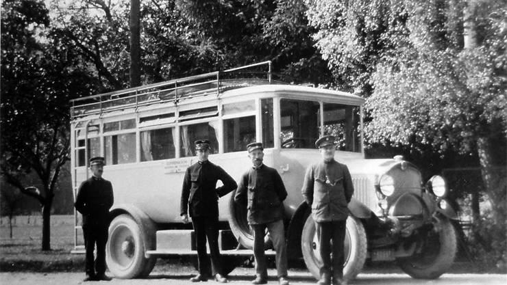 1924 löste das Postauto grosse Diskussionen im Dorf aus.