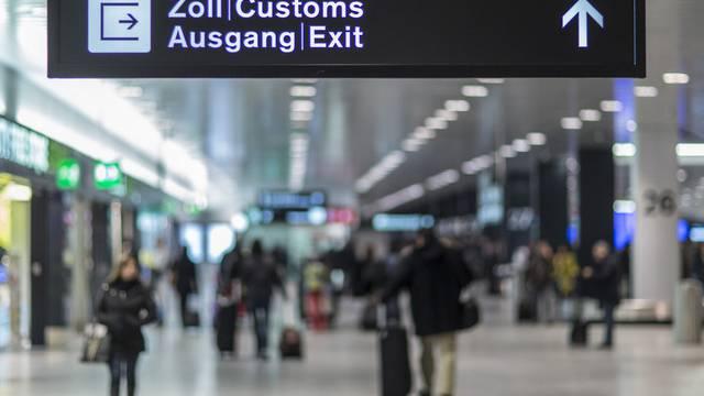 Zoll am Flughafen Zürich (Archiv)