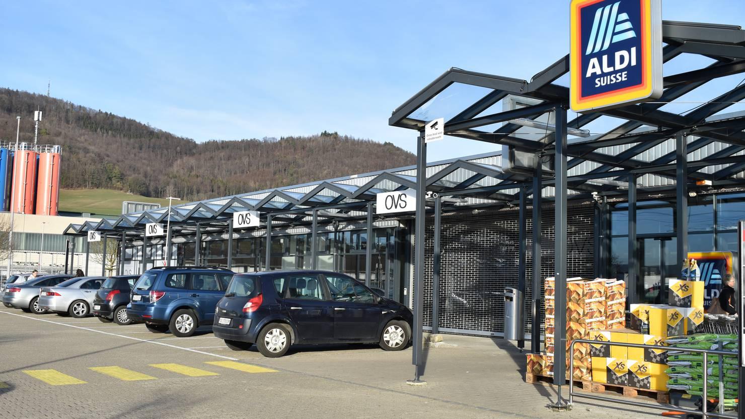 Aldi Suisse erhöht den Mindestlohn auf 4400 Franken - FM1Today