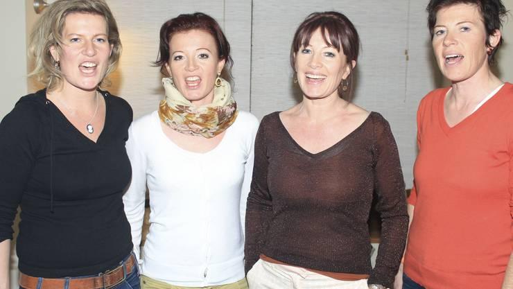 Die Sängerinnen beim Proben Andrea Bucher, Ursi Hauri, Doris Marti und Edith Bucher.