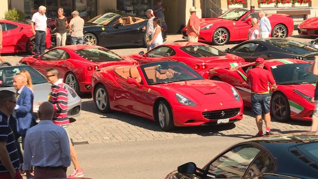 Luxus in Aarberg: Über 200 Boliden begeistern an Ferrari-Treffen