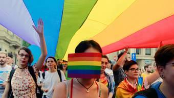 Mitglieder der rumänischen LGBT-Community an der Gay-Pride-Parade in Bukarest.