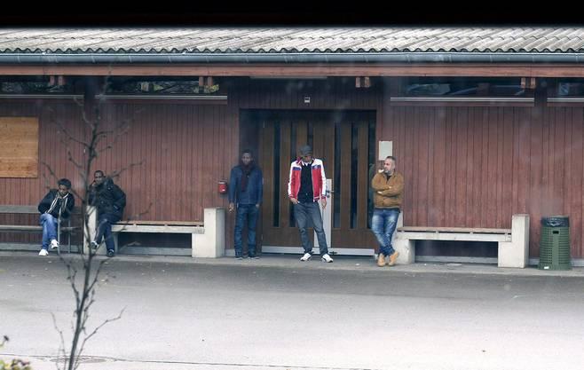 Szenen aus dem Bundes-Asylzentrum in Bremgarten.