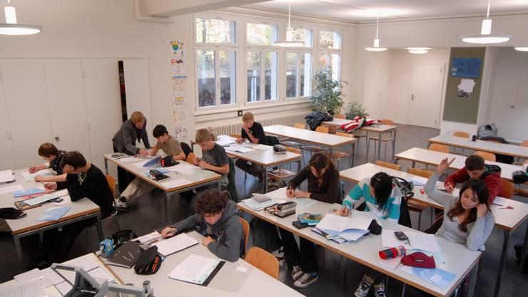Die Junge CVP fordert ein eigenständiges Fach «politische Bildung» an allen Solothurner Sekundarschulen. (Symbolbild)