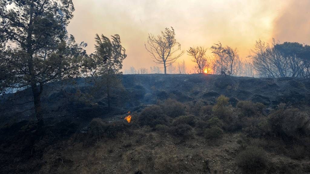 Kein Ende der Hitze in Griechenland – Brand auf Ferieninsel Rhodos
