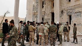 Syrische Soldaten in Palmyra.