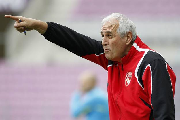 Nach Challandes übernahm Urs Fischer das Traineramt beim FC Thun.