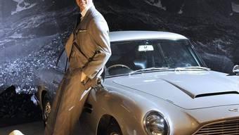 Sean Connery in Wachs mit Austin Martin: In London werden Objekte aus 50 Jahren James Bond gezeigt