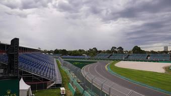 Tief und grau hängen die Wolken über dem Albert Park in Melbourne, wo am 15. März die Formel-1-Saison hätte eröffnet werden sollen