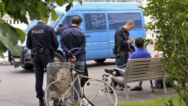 Rauschgiftkontrolle in Genf (Symbolbild)