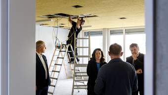 Checkübergabe und Führung durch Erweiterungsbau Wohnheim Kontiki