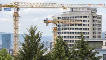 Ein heisser Herbst zeichnet sich auf dem Bau ab: Baustelle der ETH Zürich. (Archiv)