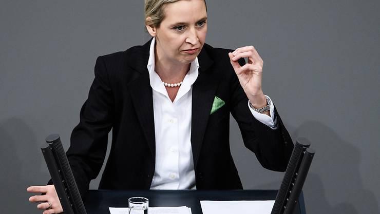 """Das Aushängeschild der rechtspopulistischen """"Alternative für Deutschland"""", Alice Weidel, zieht aus der Schweiz weg. In Biel hatte Weidel einen Wohnsitz mit ihrer Lebenspartnerin und zwei Kindern."""