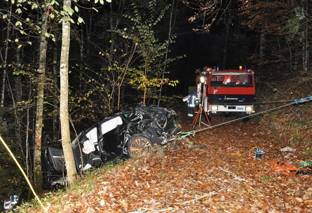 Gleich zweimal kam es im Kanton Solothurn zu Unfällen, bei denen die Autofahrer jeweils von der Fahrbahn abgekommen und eine Böschung heruntergefahren sind.