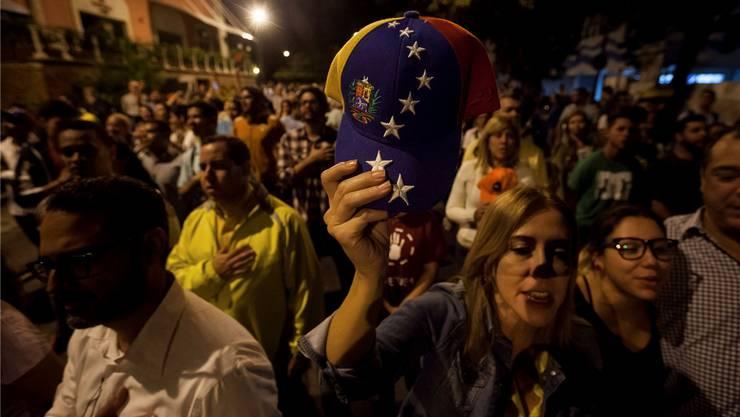Erleichterung und (vorerst noch) verhaltener Jubel nach dem Wahlsieg der Opposition.MIGUEL GUTIERREZ/Keystone