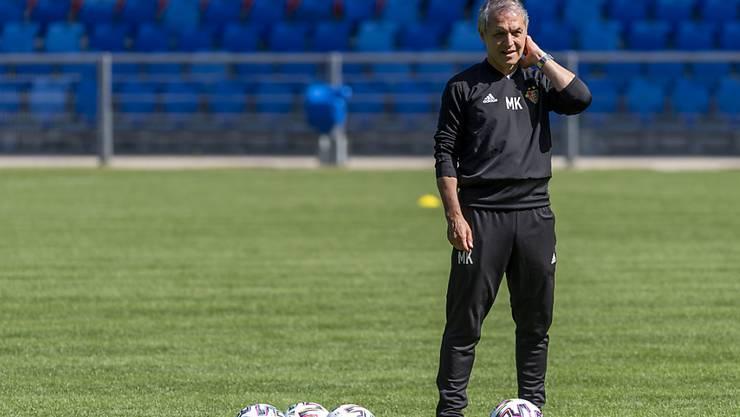 Basel mit Trainer Marcel Koller (im Bild) spielt die Europa League wohl in Deutschland zu Ende