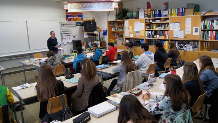 Im August 2014 nimmt nicht nur die Zahl der Schüler an der Kreisschule Mutschellen (KSM) stark ab, auch die Zahl der Klassen verringert sich markant: Sie sinkt von 31 auf 20 Klassen. Archiv/KOB
