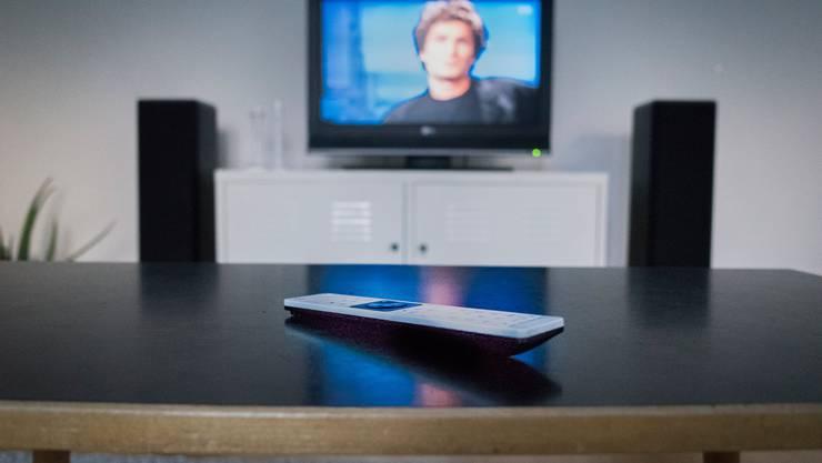 Der Fernsehkonsum nimmt in Zeiten von Corona zu.