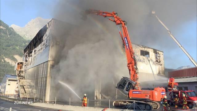 Grossbrand in Altdorf: Einsturzgefahr erschwert Löscharbeiten