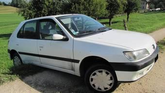 Mit diesem Auto mit französischem Kennzeichen wollten die Teenager flüchten