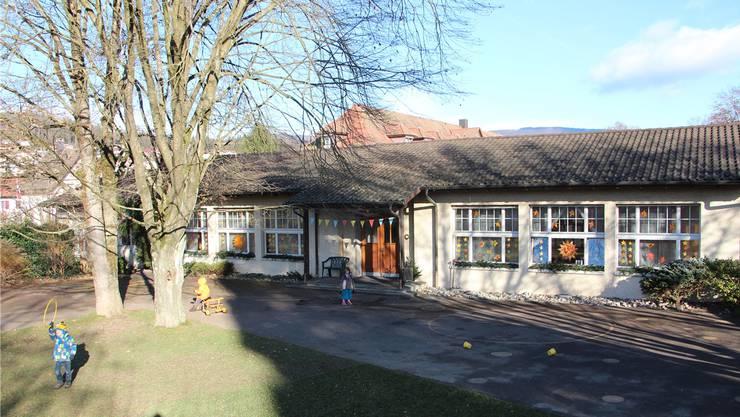 Der Doppelkindergarten im Scheibenschachen aus dem Jahr 1946 soll abgebrochen werden, Am gleichen Standort sind drei neue (dunkel eingefärbte) Kindergärten geplant.