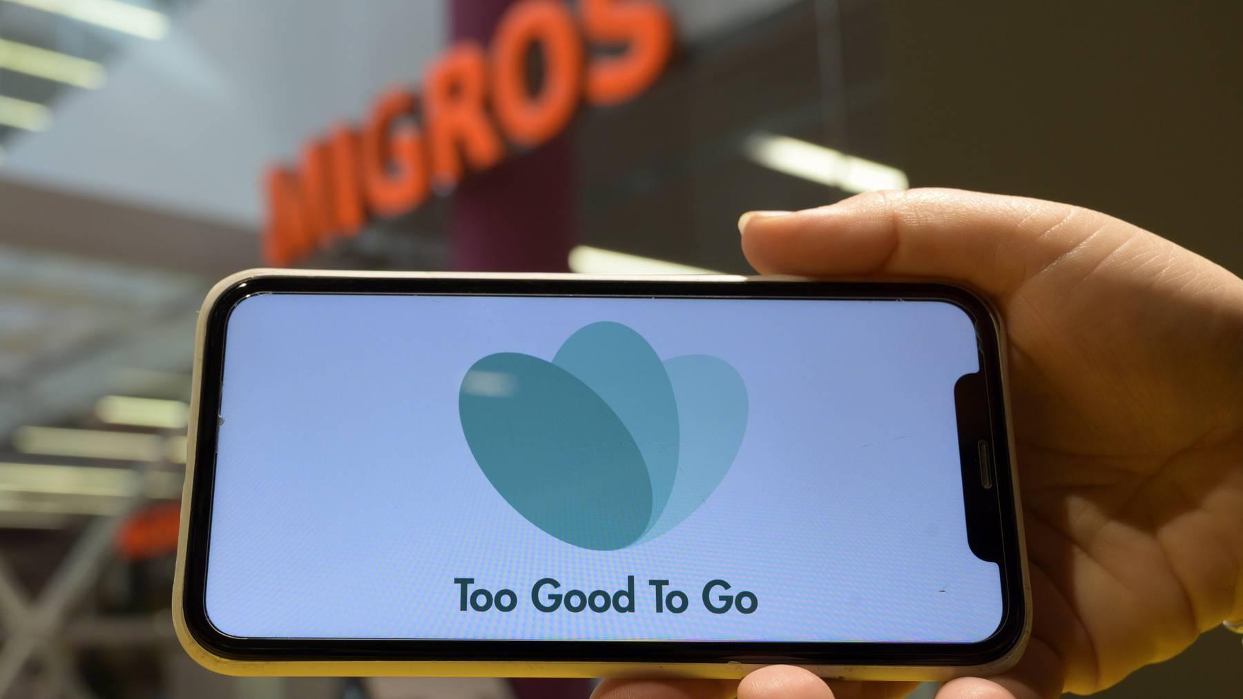 Mit der App «Too good to go» kann man Lebensmittel retten.