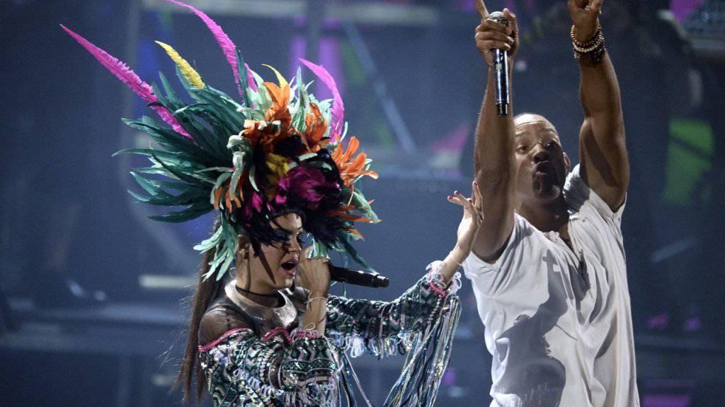 Schrill: Will Smith am Donnerstagabend bei der Verleihung der Latin Grammys.