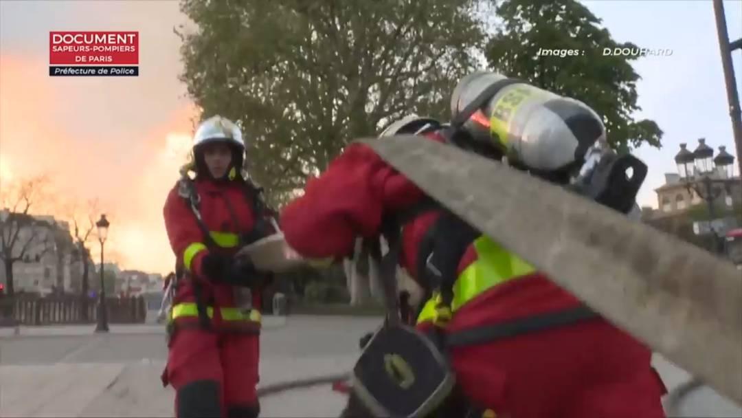 Notre-Dame: Video zeigt Kampf der Feuerwehr gegen die Flammen