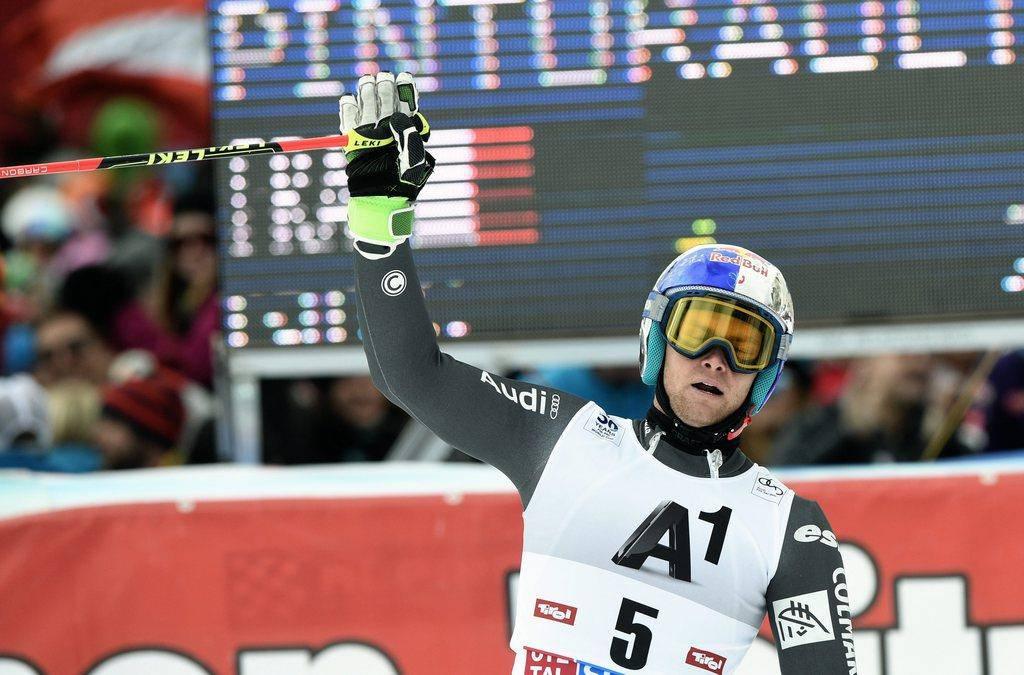 Alexis Pinturault freut sich über den Triumph (© EPA/Christian Bruna)