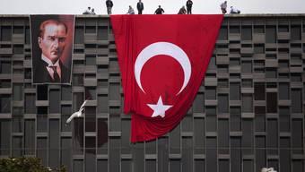 Der Tag nach der grossen Räumungsaktion der Polizei auf dem Taksim Platz