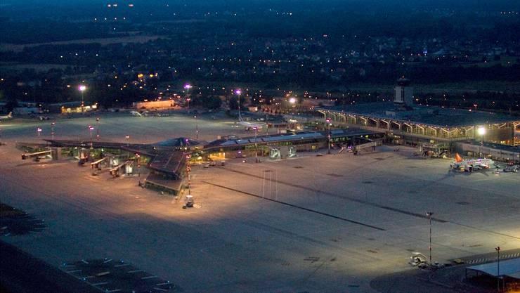 Die Nachtflugsperre am Euro-Airport ist kürzer als in Zürich und Genf.