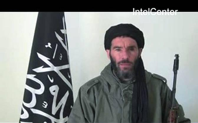 Moktar Belmoktar, Chef der dem Terrornetzwerk Al-Kaida nahestehenden «Maskierte Brigade» hat sich zur Geiselnahme bekannt.