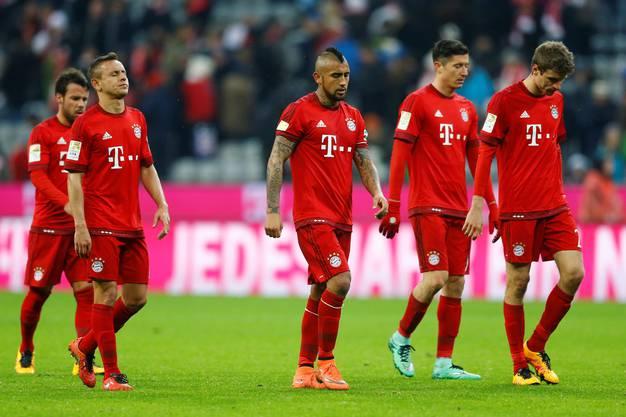 Niedergeschlagen: Die erfolgsverwöhnten Bayern kassieren die erste Heimniederlage in dieser Saison.