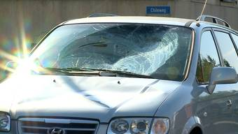 «Der 14-Jährige geriet unvermittelt auf die Fahrbahn», sagte Polizeisprecher Roland Pfister am Dienstagmorgen an der Unfallstelle.