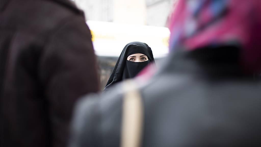 Rechte Allianz will der Burka-Initiative zum Durchbruch verhelfen