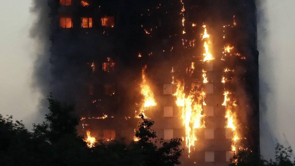 Beim verheerenden Brand im Grenfell Tower sind vor einem Jahr 71 Menschen ums Leben gekommen. (Archiv)