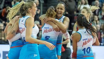Die Brasilianerinnen von Molico feiern ihren Sieg im Final gegen Voléro.