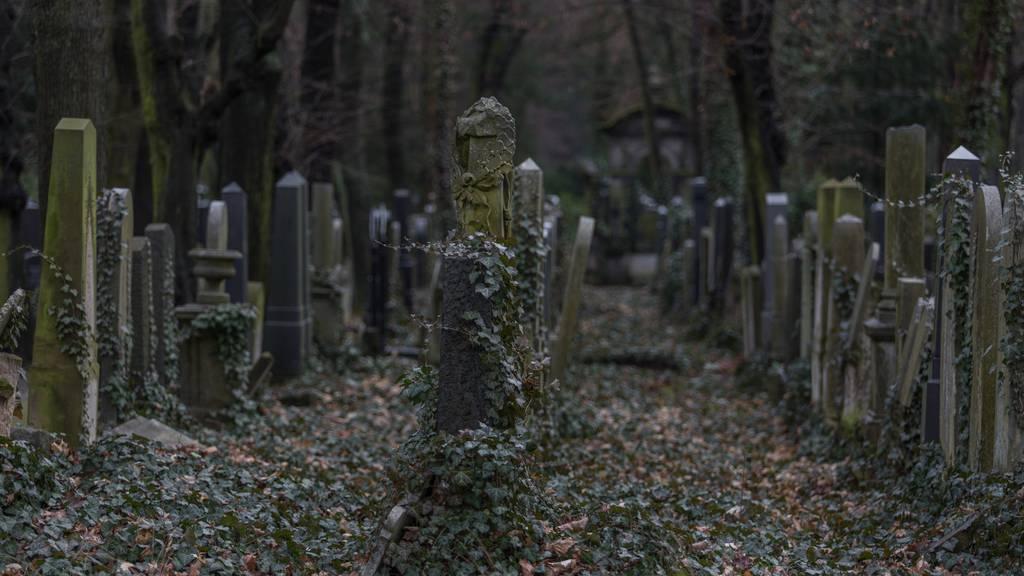 Die Gräber auf Friedhöfen bleiben leer