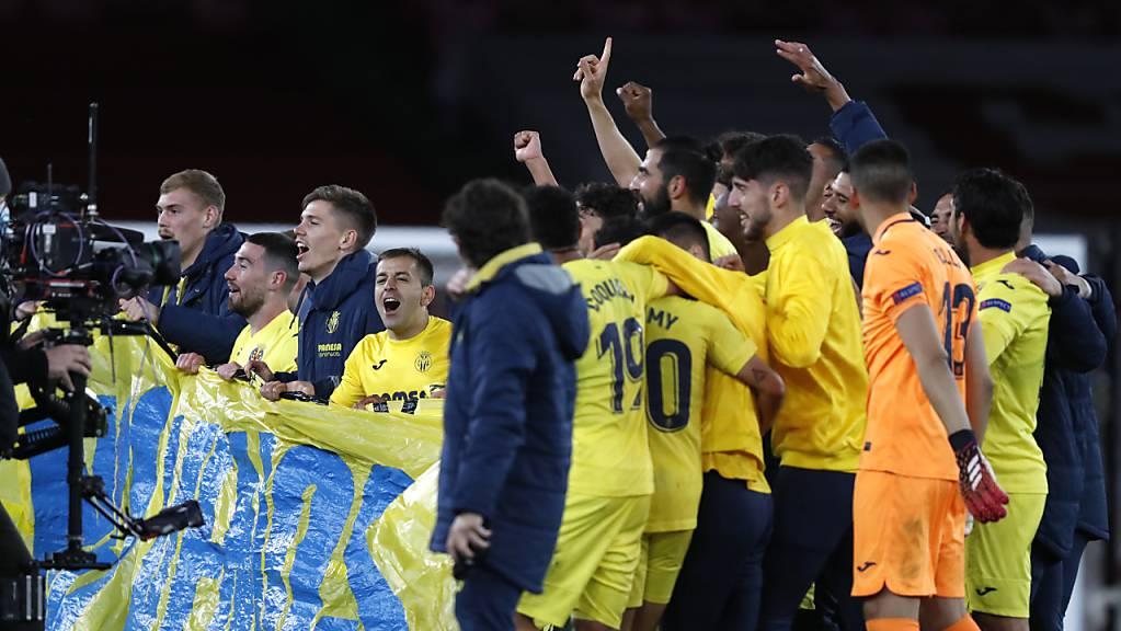 Die Spieler von Villarreal feiern.