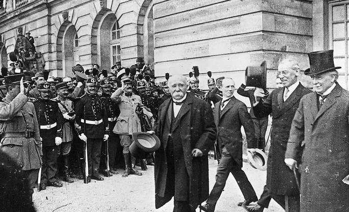 Haben den Krieg gewonnen: franz. Staatschef Georges Clémenceau, US-Präsident Woodrow Wilson und britischer Premier David Lloyd George: