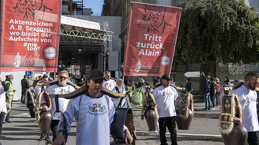 Tausende demonstrieren in Bern gegen Corona-Massnahmen des Bundes