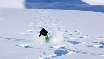 Das neue Skigebiet verbindet die Kantone Uri und Graubünden.