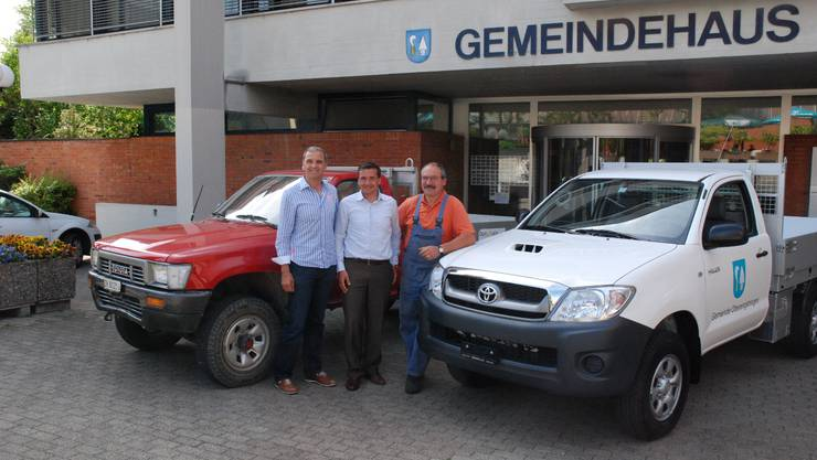 Schlüsselübergabe: (v.l.) René Beck, Lars Jensen und Sepp Egloff  KOR