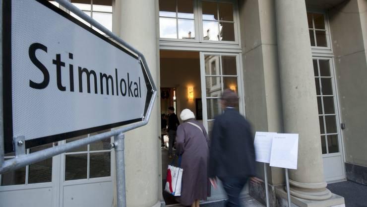 Basel-Stadt befindet am 8. März über Wohninitiative und Zahnmedizin (Symbolbild).