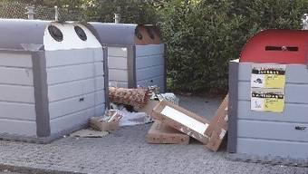 Dottikon, Abfall nach Pfingsten um die Container