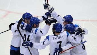 Finnen feiern klaren Sieg gegen Dänemark