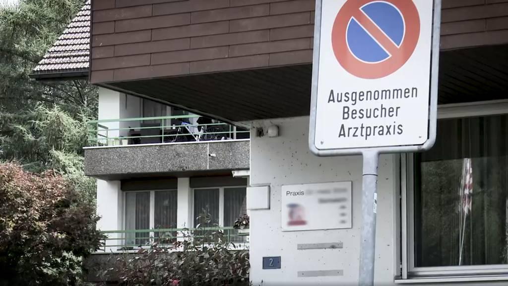 Arztpraxis in Oberägeri wird erneut kontrolliert