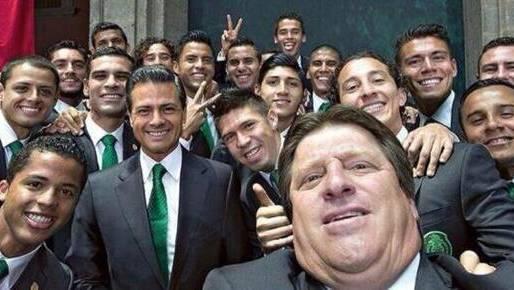 Mexikos Trainer Herrera postet dieses Selfie mit der Mannschaft, welches zeigt, wie gut die Stimmung der Mexikaner im Team zurzeit ist.