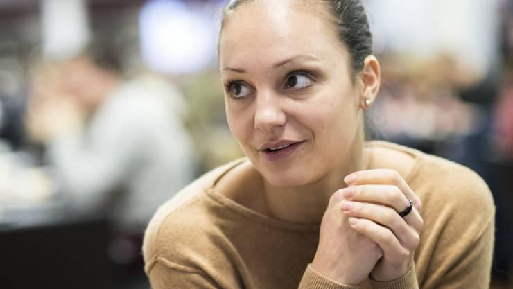 """Sarah Meier zieht sich wieder die Schlittschuhe an: Die frühere Eiskunstläuferin tritt 2017 mit Sänger James Morrison am """"Art on Ice"""" auf. (Archivbild)"""