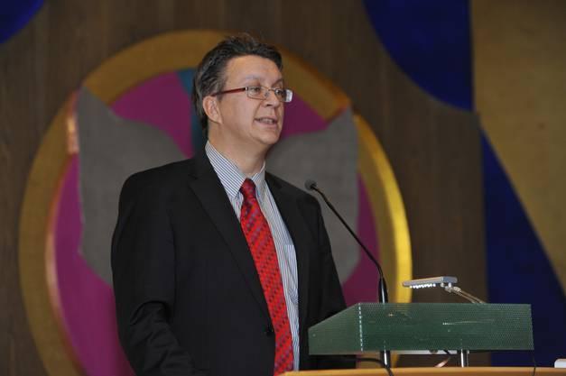Kulturkommissionspräsident Jean-Pierre Thomsen führte durch den Abend
